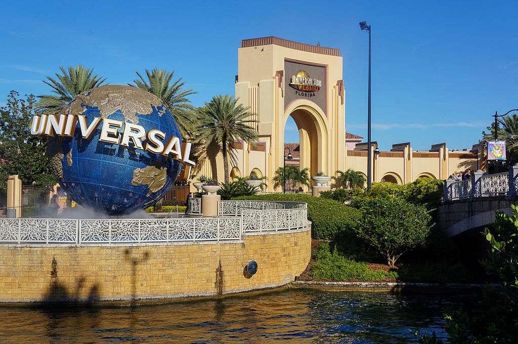 entrance to Universal Studios Orlando