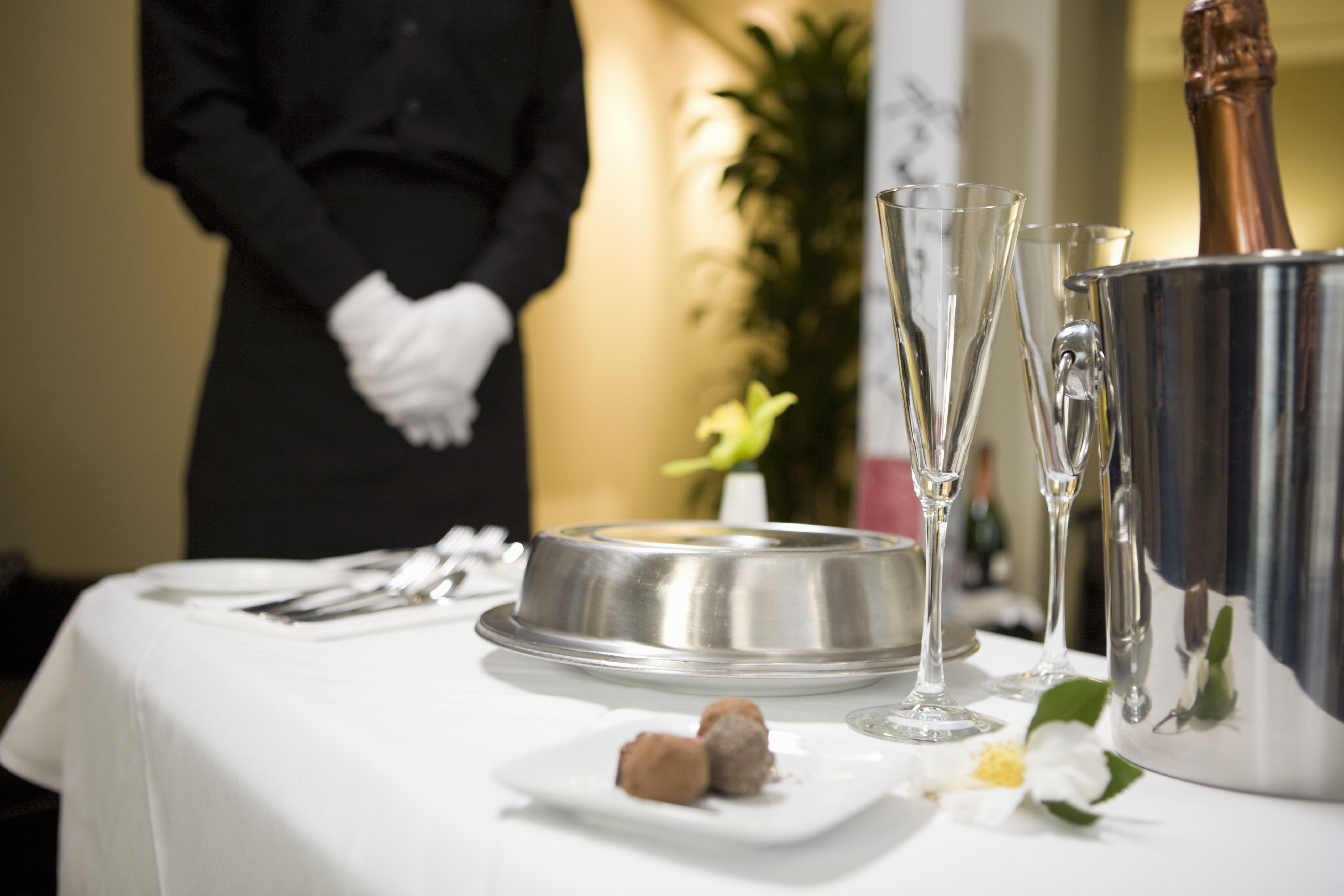Room Service: Top 10 Musts Of Great Hotel Service