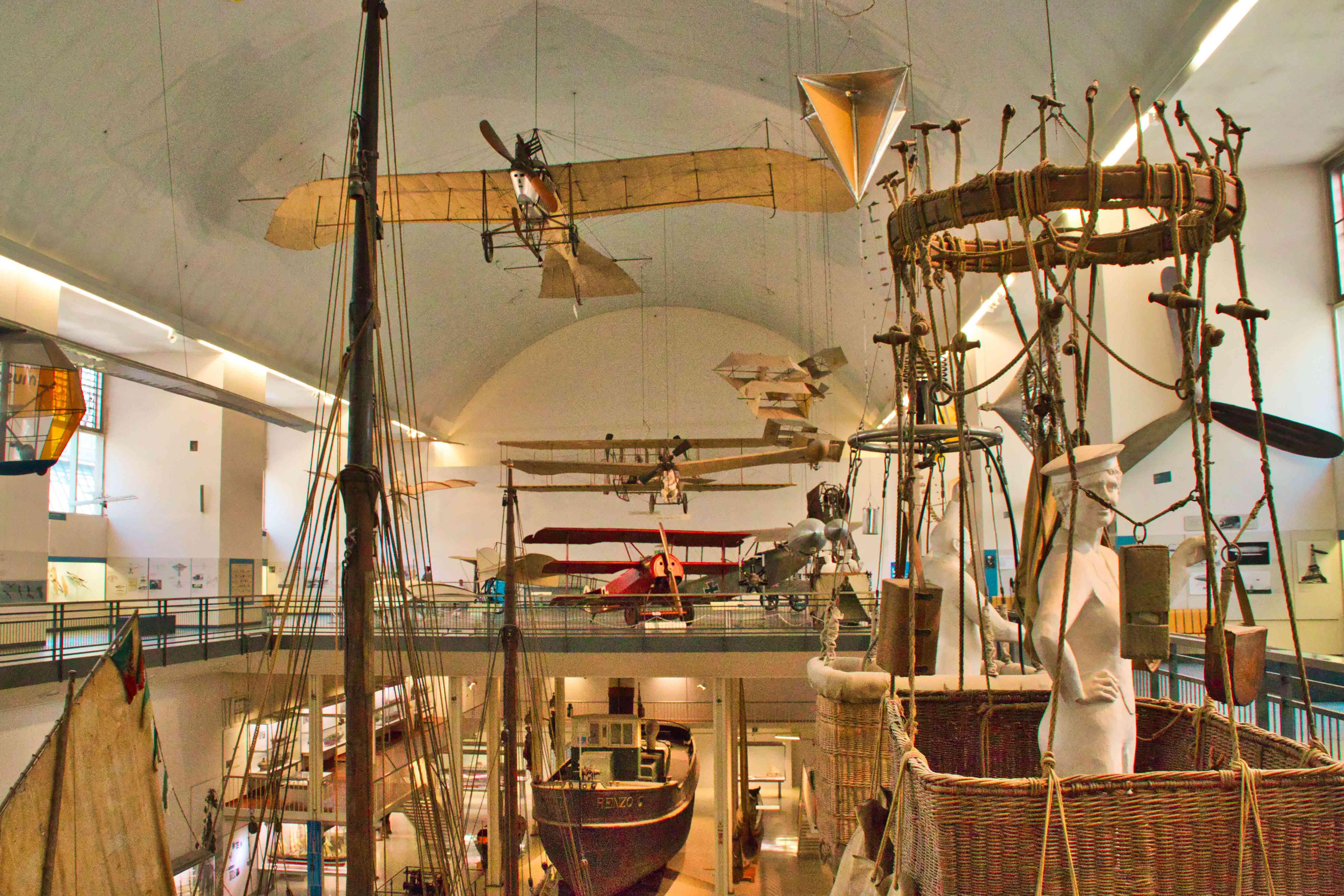 La exhibición de aviación en el museo Deutsche