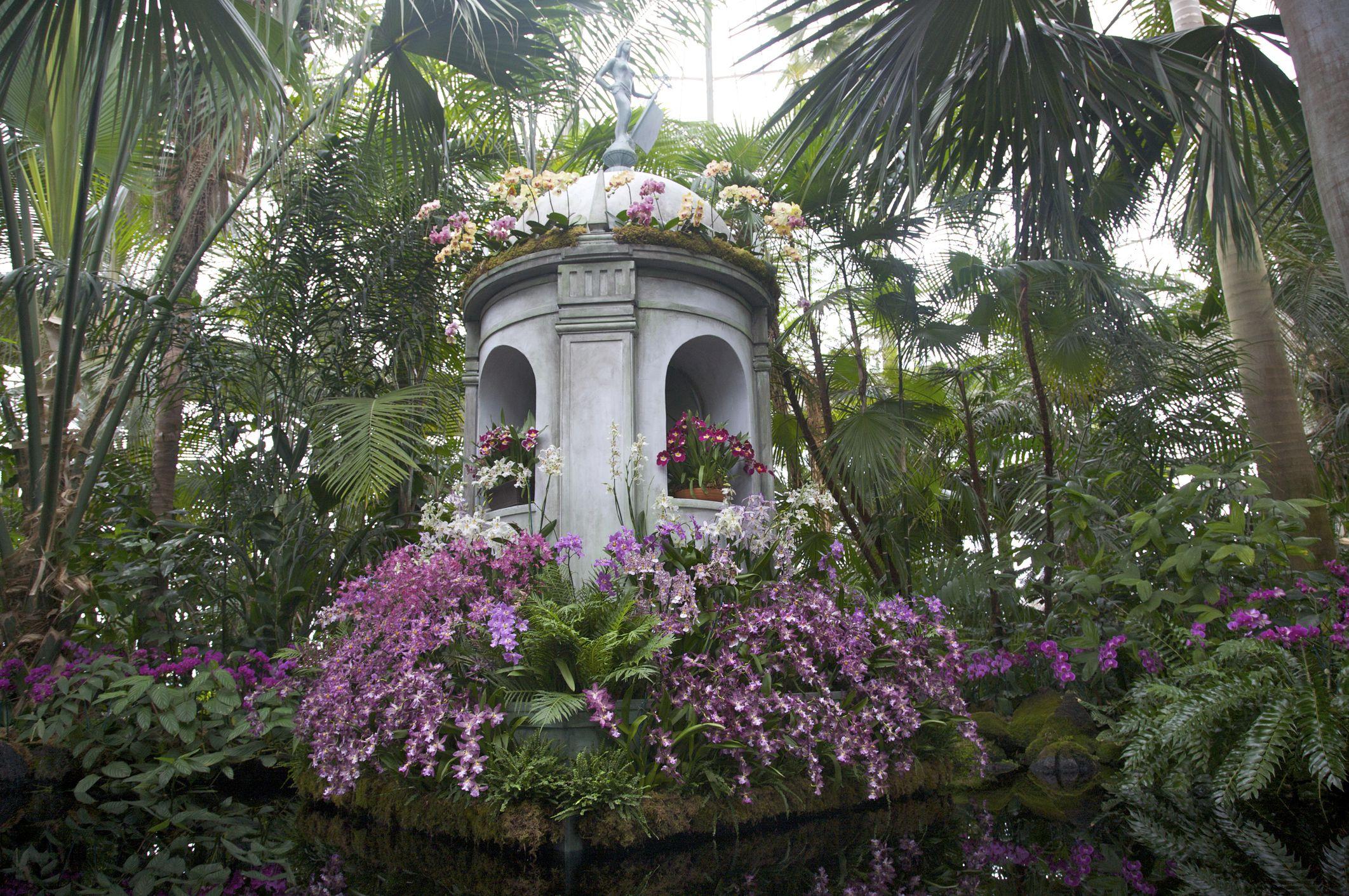 Enid Haupt Conservatory, The New York Botanical Gardens, The Bronx, New York, USA