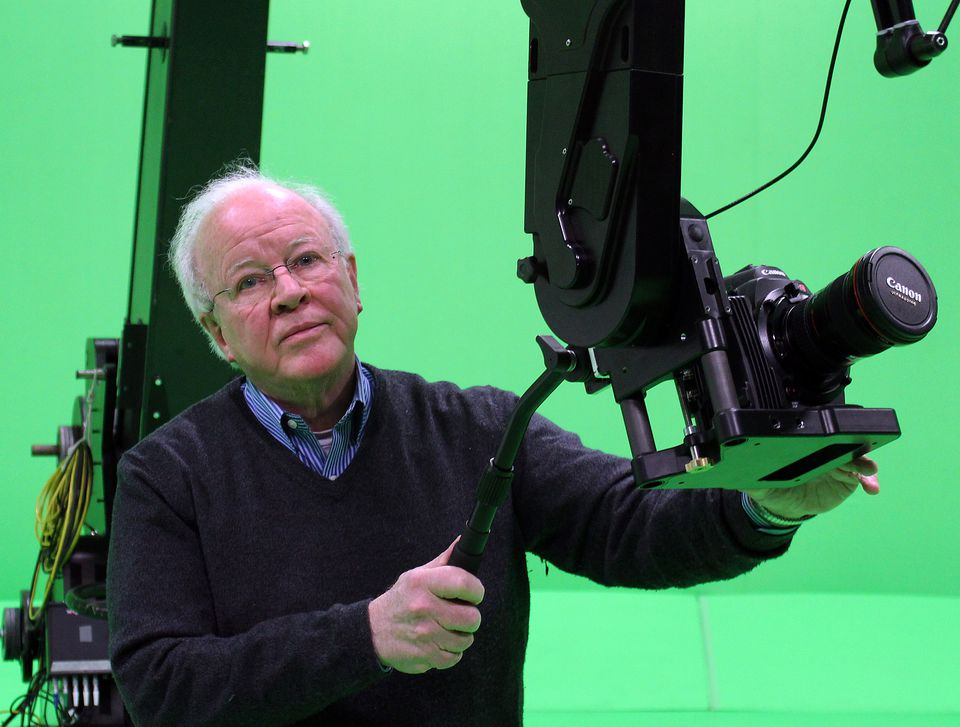 Douglas Trumbull with the Zero Gravity Boom, a device he invented as part of his green-screen Virtual Set System.