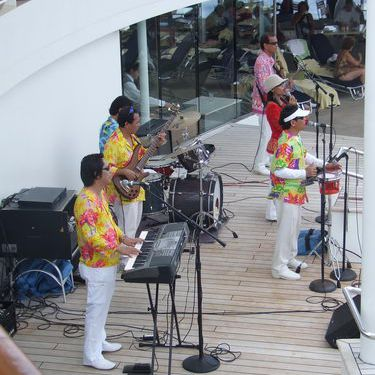 Celebrity Infinity - Entertainment on the Pool Deck