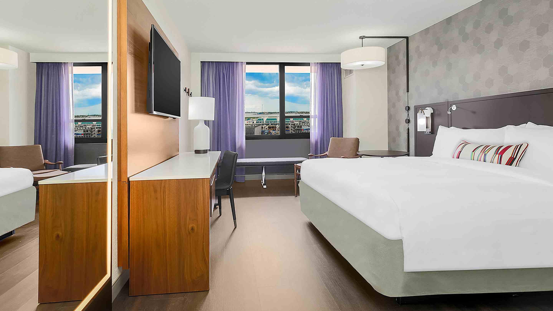 New York LaGuardia Airport Hotel