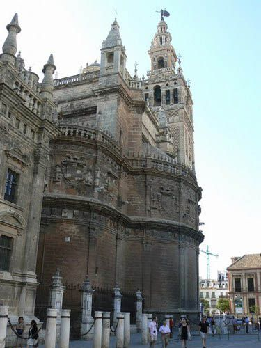 Things to Do in Barrio Santa Cruz in Seville