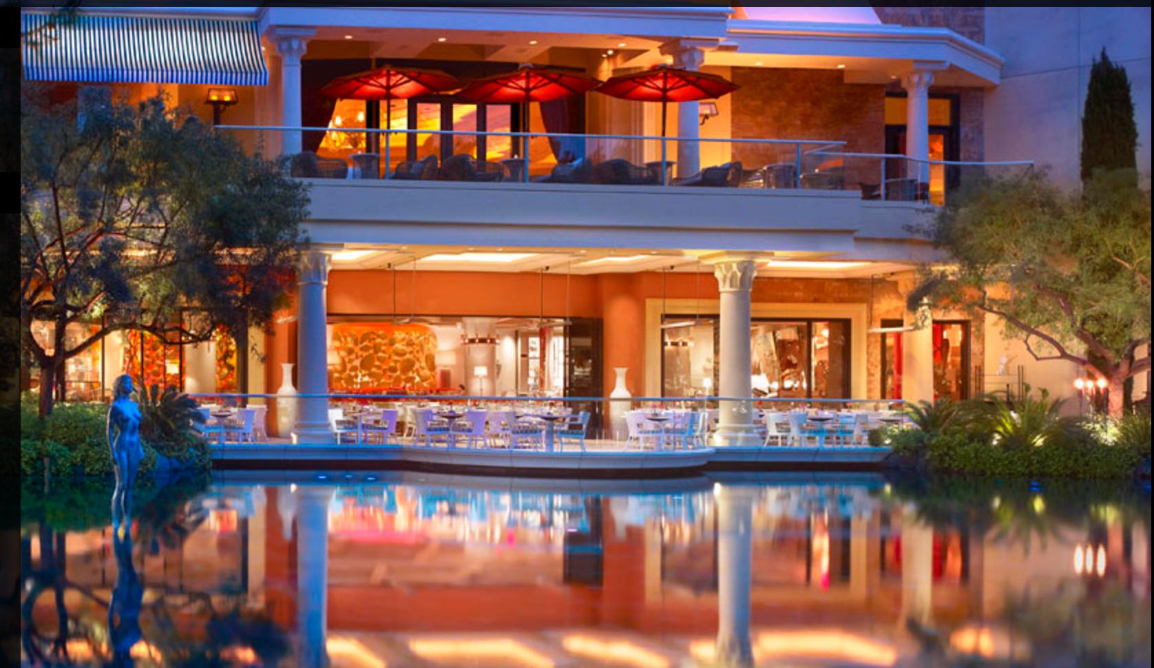 restaurante junto al lago wynn
