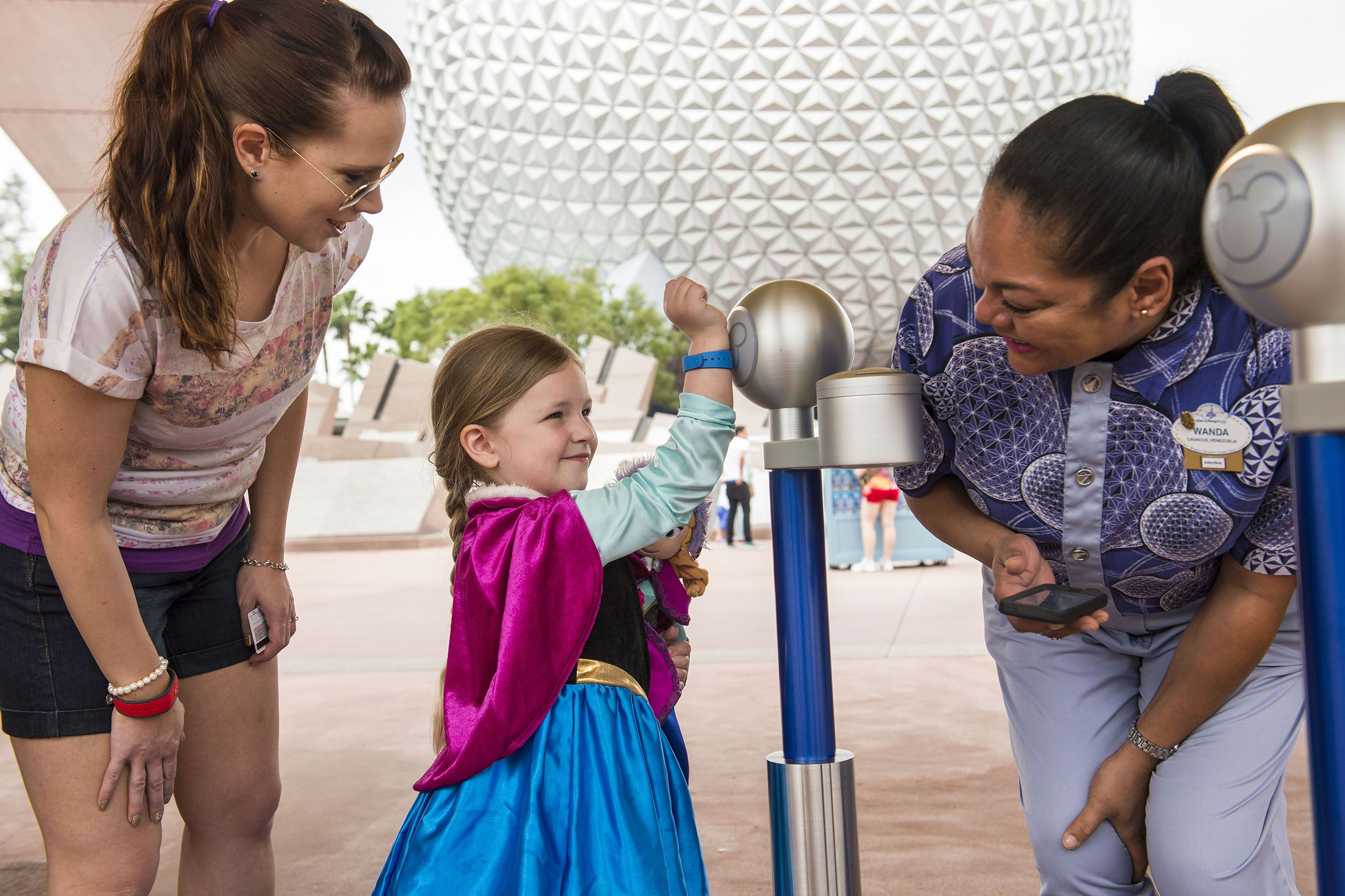 What Is the Difference Between FastPass+ and My Disney Experience?