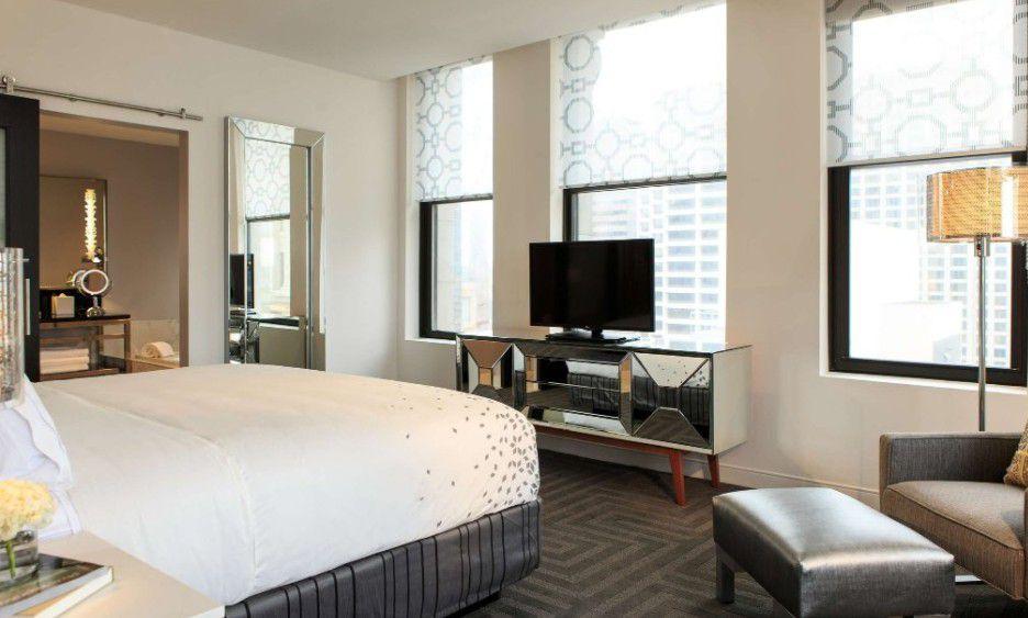 King suite at the Renaissance Cincinnati Downtown Hotel