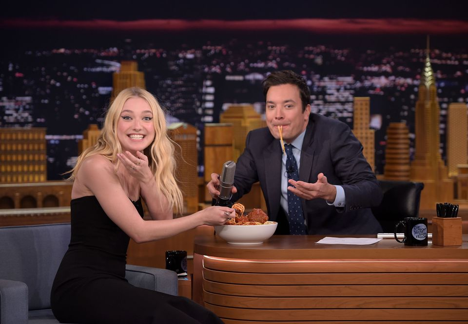Dakota Fanning visita 'The Tonight Show Starring Jimmy Fallon'