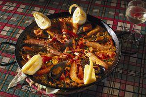 Paella in a pan, Meson Torre de Guzman, Conil de la Frontera, Cadiz Andalusia, Spain, Andalusia, Spain, Europe