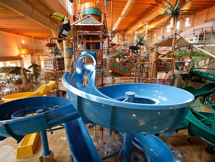 Looking for Wisconsin Indoor Water Parks?