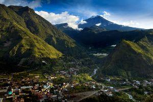 Aerial view of the town of Baños, Ecuador
