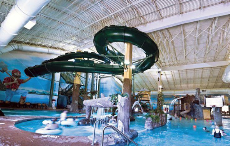 Paul Bunyan Indoor Water Park At Arrowwood Lodge Brainerd Lakes