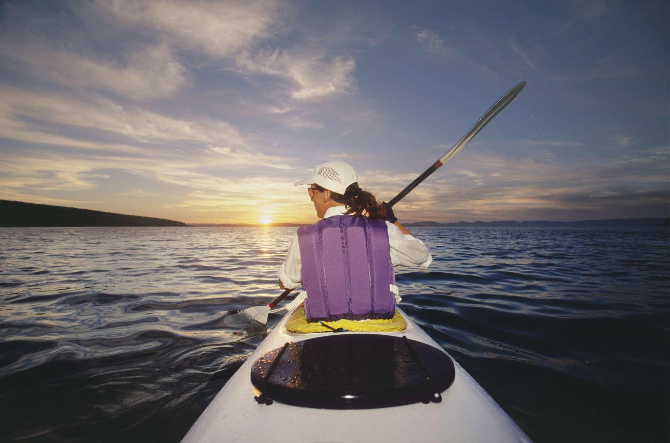 Women kayaking in Baja, Mexico