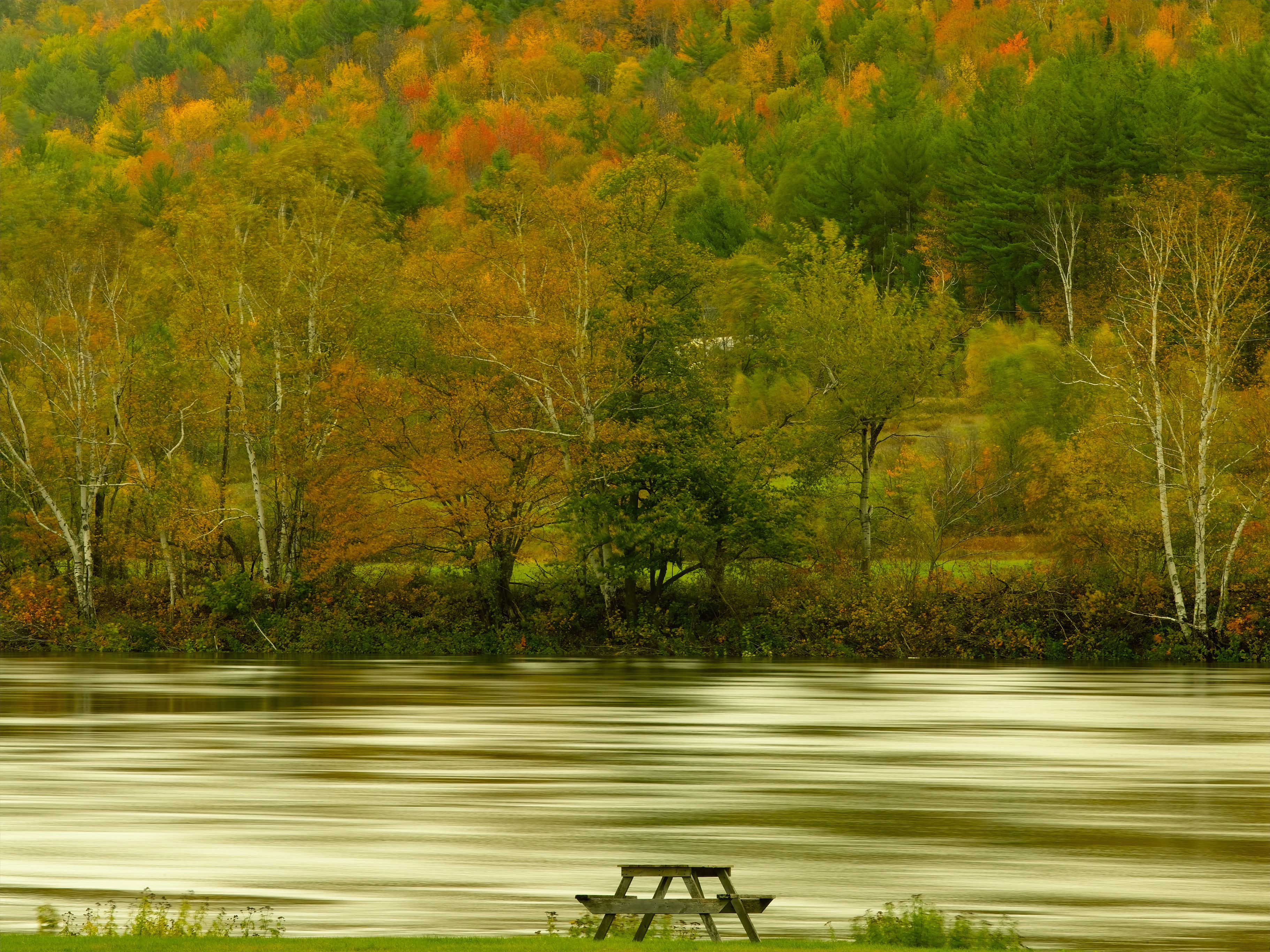 USA, Maine, Rangeley Lake, autumn