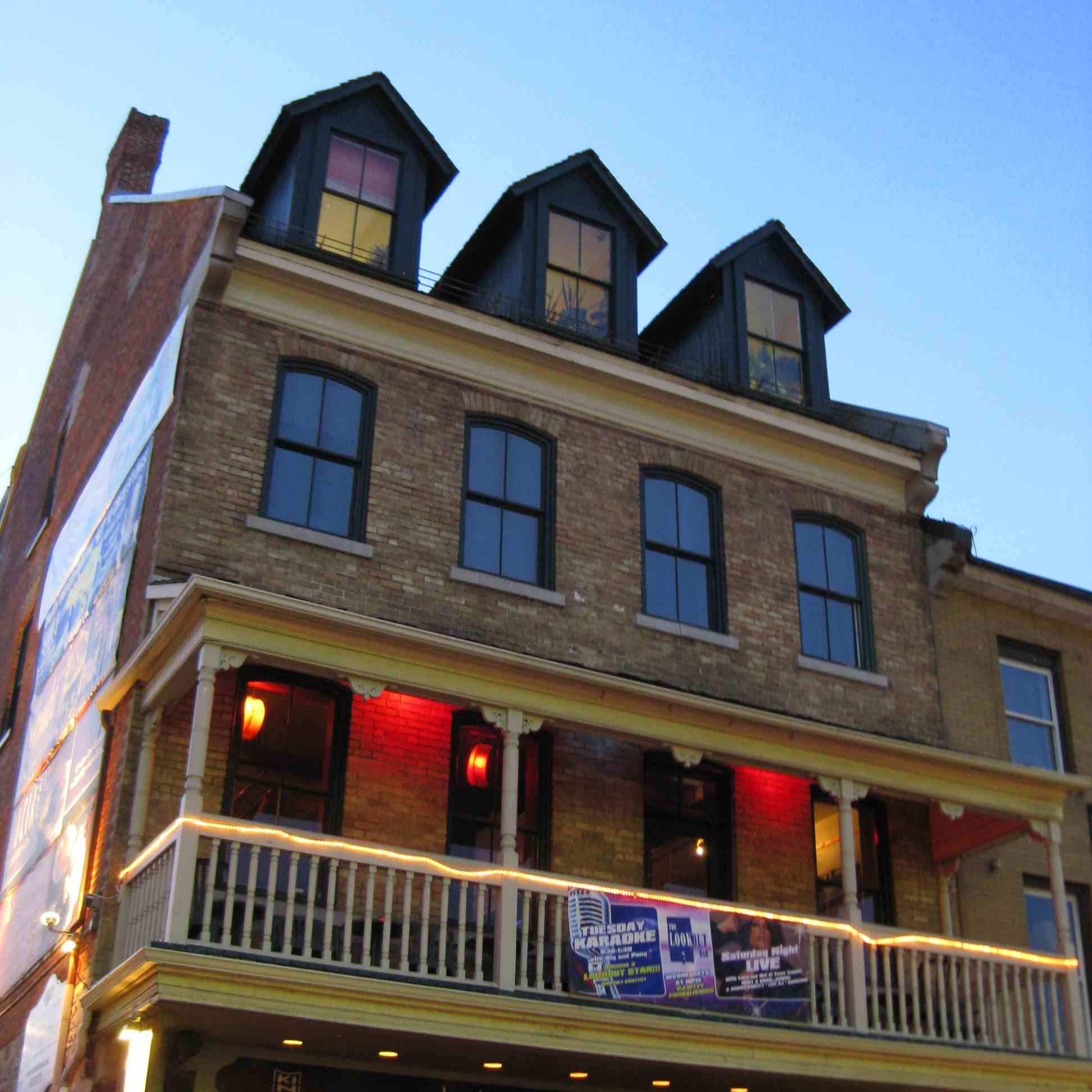 The Lookout Bar, a festive and welcoming gay nightspot in the vibrant ByWard Market district (on the ground floor is the excellent Pan-Asian restaurant, Kinki