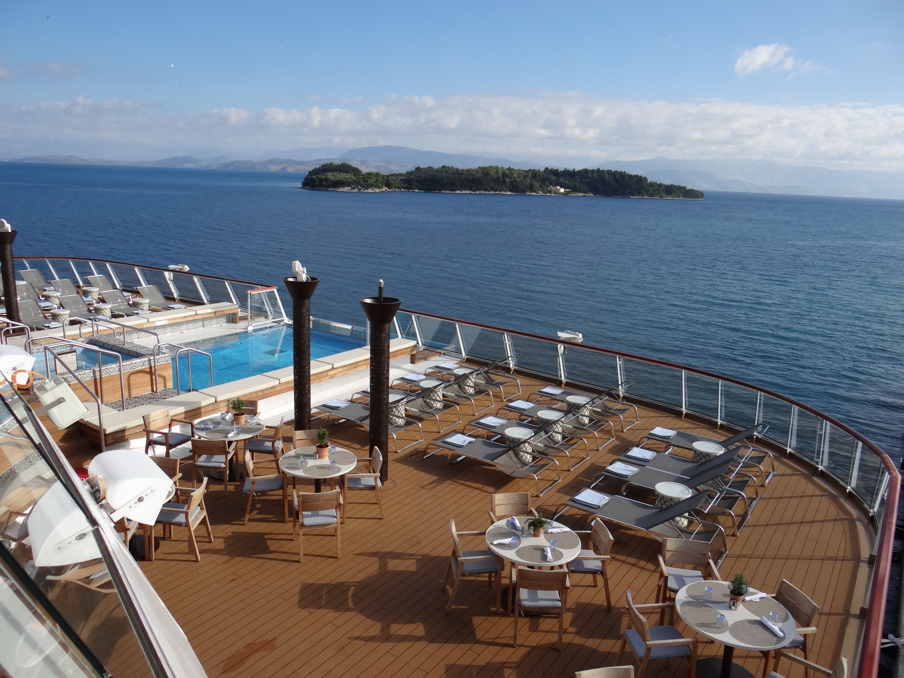 Viking Sea outdoor seating and infinity pool