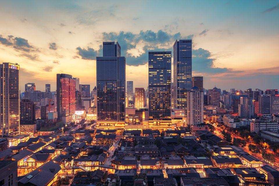 Night view of the city of Chengdu