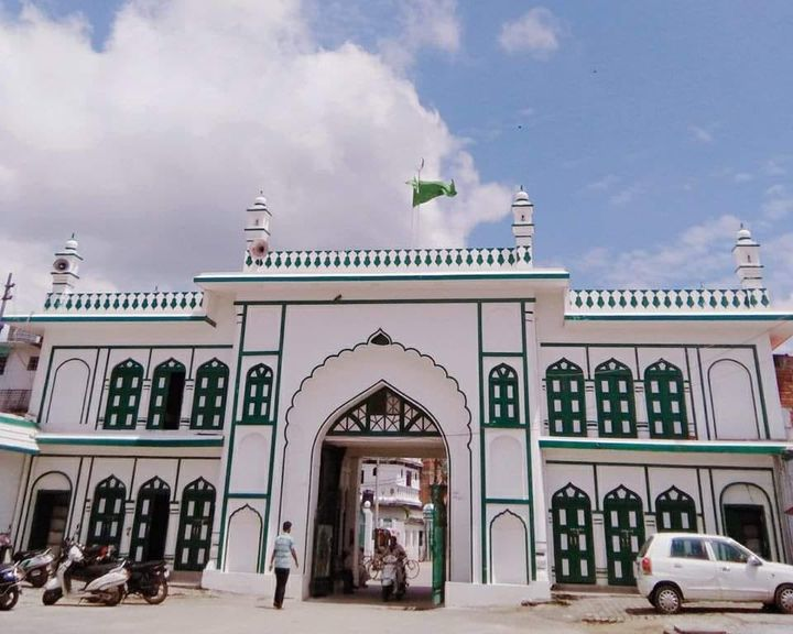 White and green facade of the Imambara, Gorakhpur.