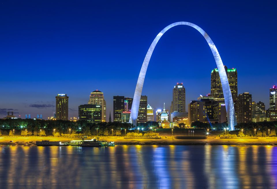 Gateway Arch at dusk, Saint Louis, Missouri, USA